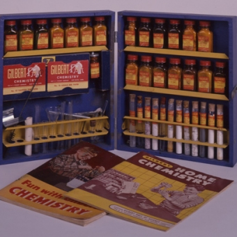 Chemical Set (1952) Courtesy of the Eli Whitney Museum