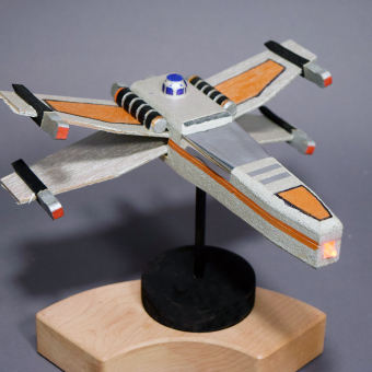 X Wing Fighter thumbnail
